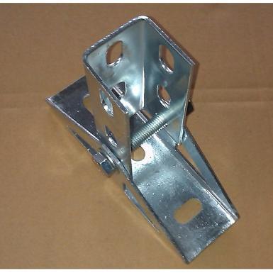 底部连接预埋螺栓,上部连接件可以自由旋转角度,便于调节光伏支架.